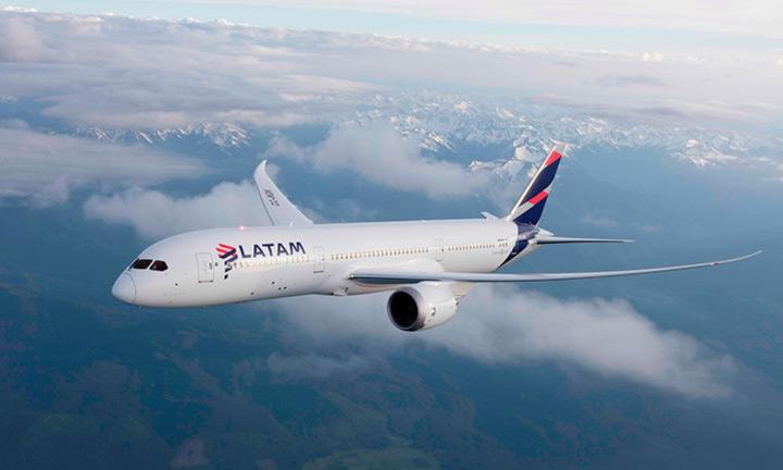 LATAM-787-aircraft
